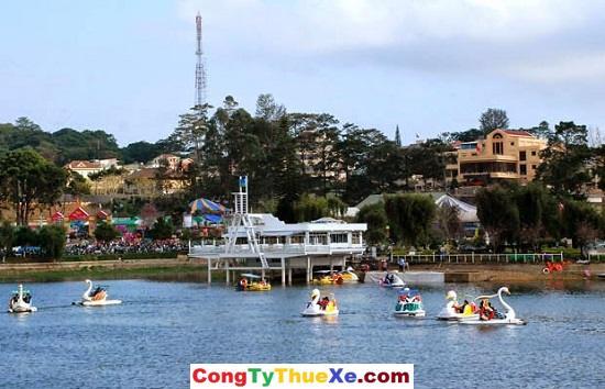 Đạp vịt hồ Xuân Hương