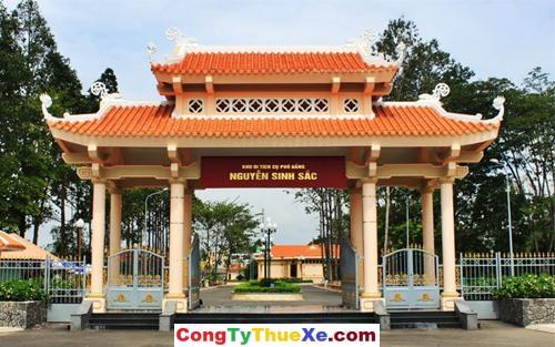 Cổng vào Lăng Cụ Phó bảng Nguyễn Sinh Sắc