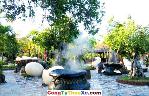 Giếng trời luộc trứng ở Bình Châu