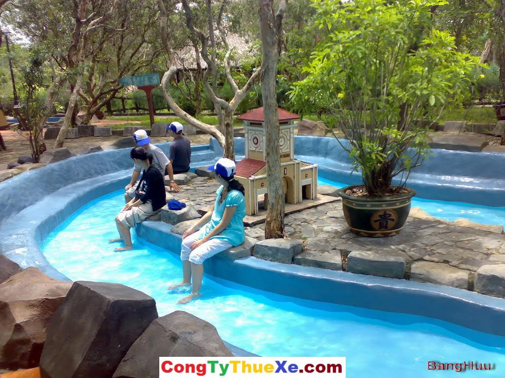 Khu vực tri liệu suối nước nóng Bình Châu