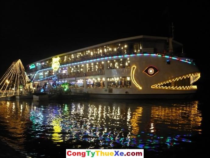 Nhà hàng trên sông Bến Bạch Đằng