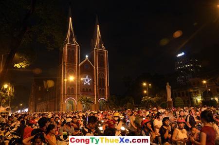 Nhà thờ Đức Bà đêm noel