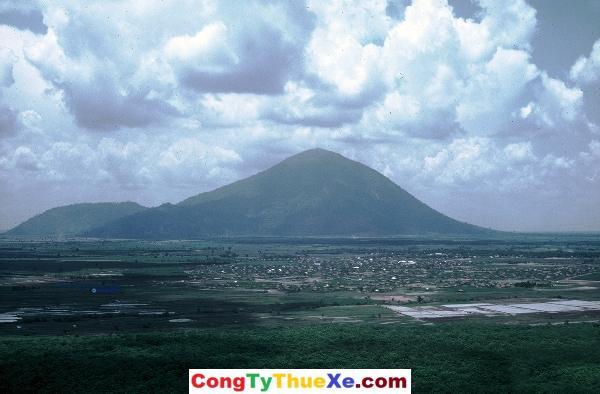 Thuê xe đi Núi Bà Đen Tây Ninh