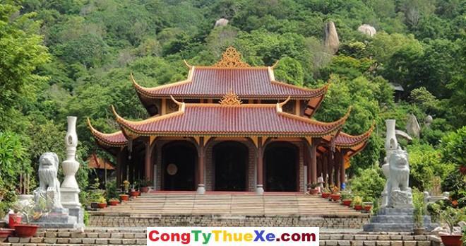 Thuê xe đi Thiền viện Trúc Lâm Long Hải