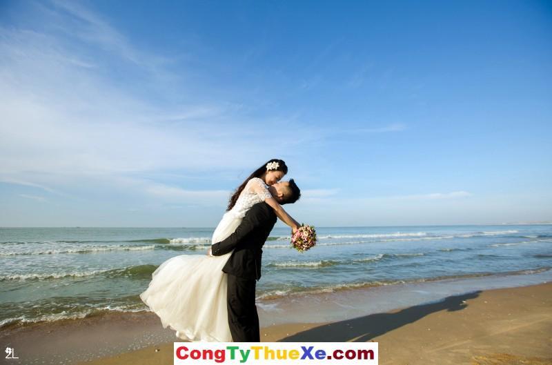 Thuê xe đi chụp ảnh cưới hồ Tràm