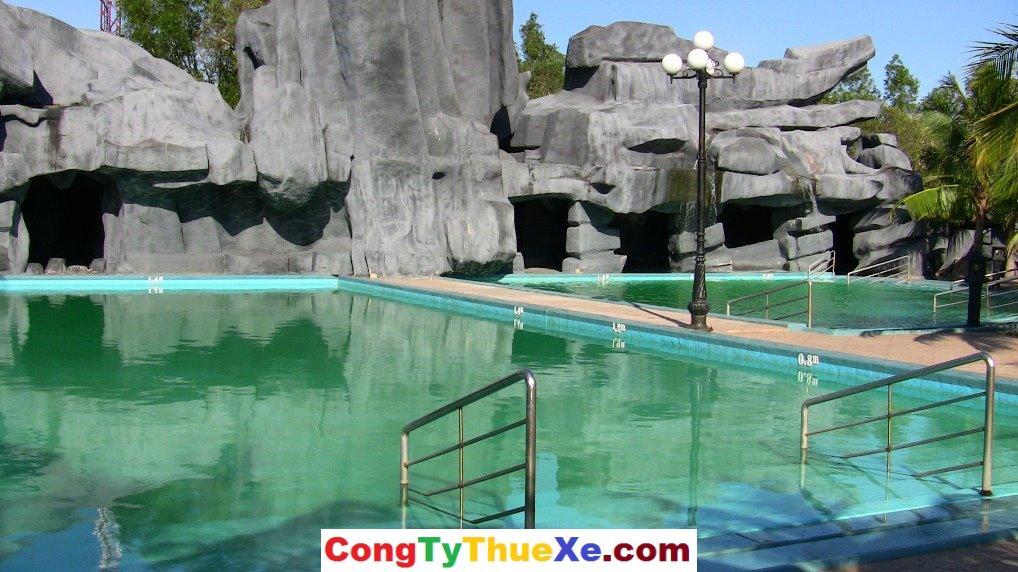 Thuê xe đi suối nước nóng Bình Châu