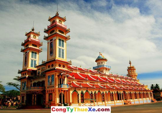 Thuê xe Tòa Thánh Tây Ninh