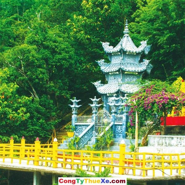 thuê xe đi chùa Bửu Quang Núi Chứa Chan Gia Lào