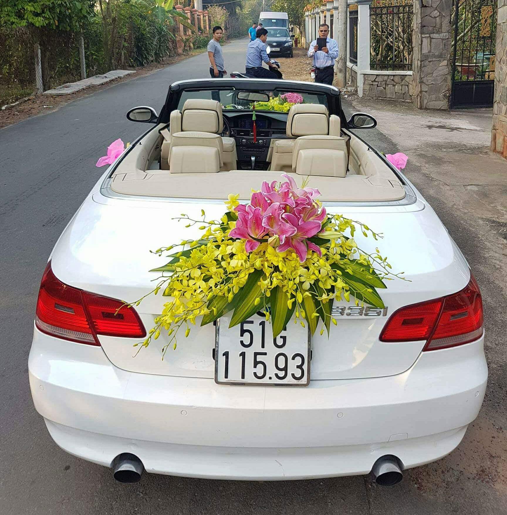 Thuê xe hoa mui trần tại TPHCM