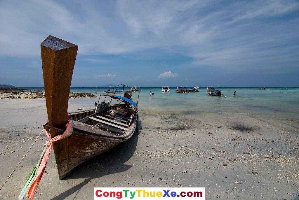 Thuê xe đi biển Khai Long
