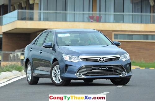 Thuê xe 4 chỗ Toyota Camry