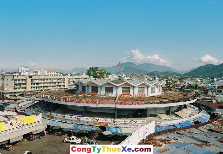 Thuê xe đi Nha Trang chợ đầm