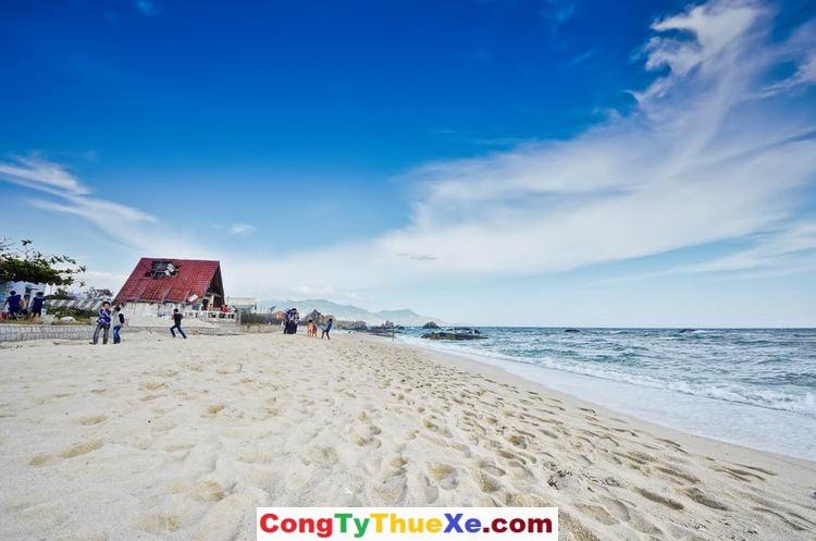 Thuê xe đi biển Cà Ná (1)