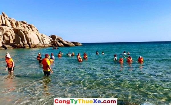 Thuê xe đi biển Cà Ná (2)