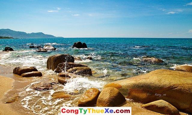 Thuê xe đi biển Cà Ná