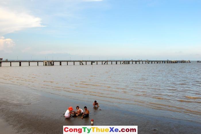 Thuê xe đi biển Tân Thành (1)