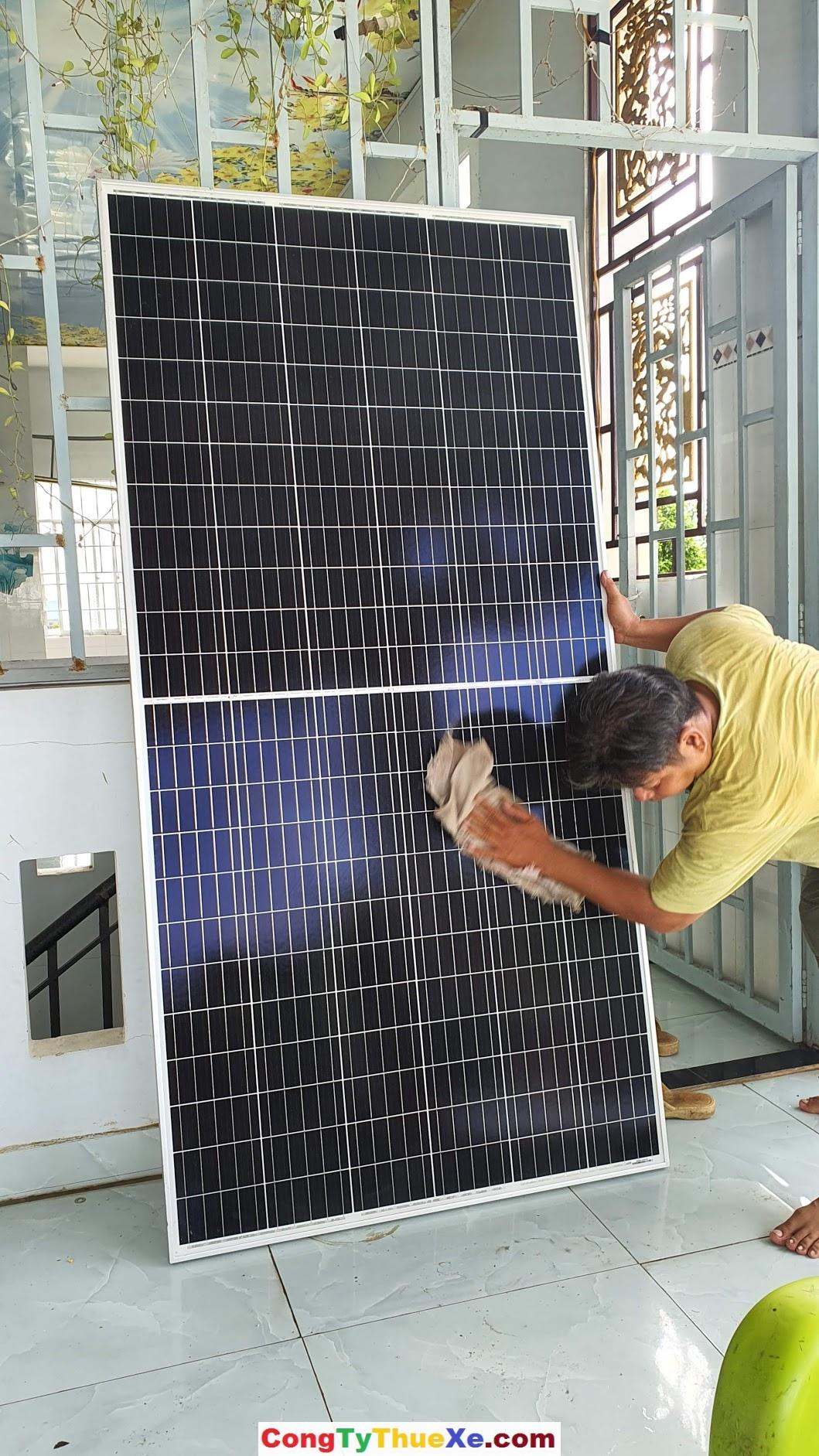 tấm pin năng lượng mặt trời htsaae